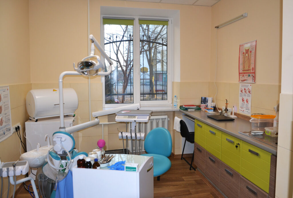 """Стоматологічний кабінет, КНП """"Броварська стомамологічна поліклініка"""""""