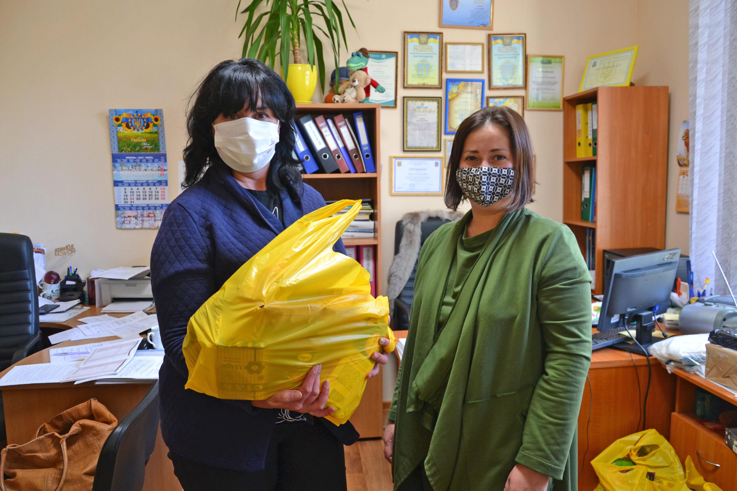 """70 продуктових пакетів отримали малозабезпечені сім""""ї в Броварах"""